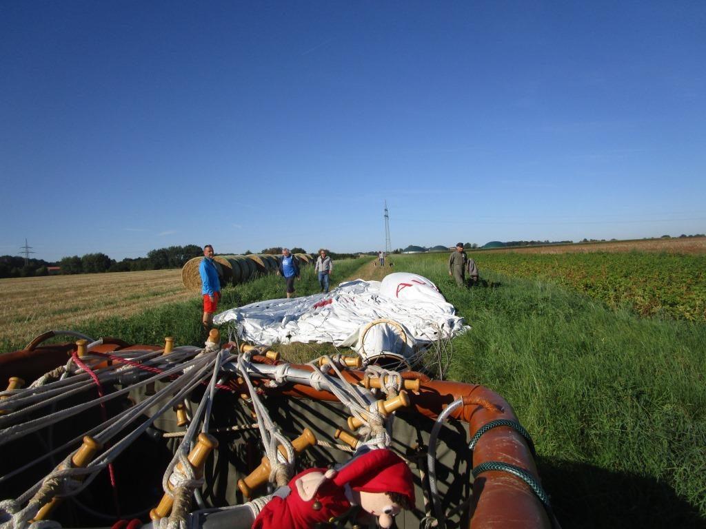 Gasballon zusammenpacken